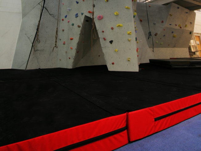nicros-climbing-wall-landing-surfaces-2