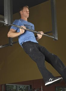 Geoff Britten demonstrating his crazy-strong Power Pull-Up!
