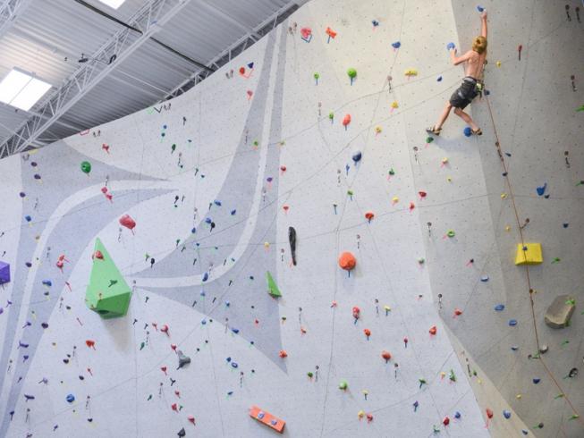 nicros-logo-wall-glendale-heights