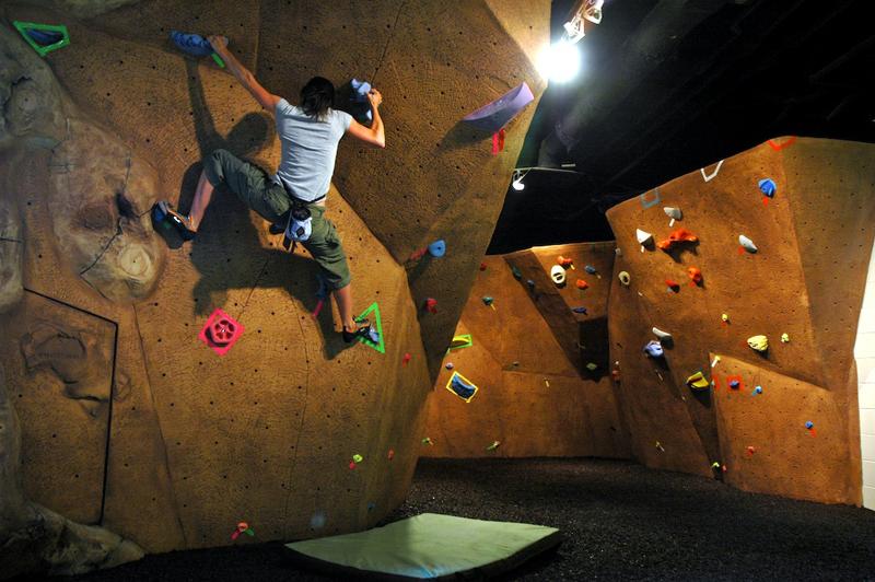 nicros-climbing-wall-georgia-state-4