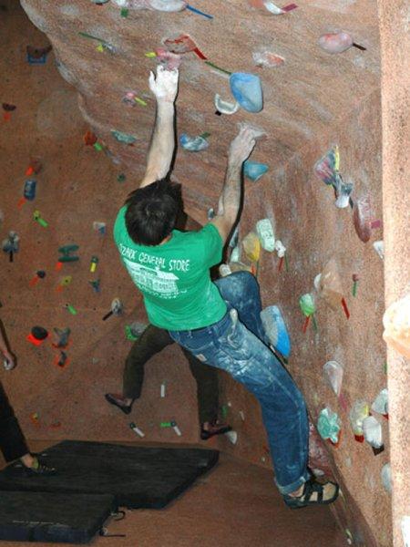 nicros-climbing-wall-iowa-state-university-6