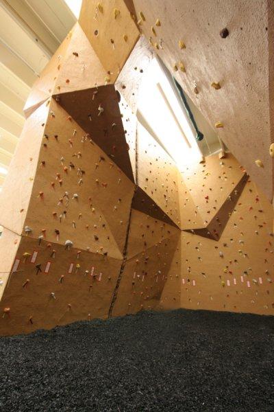 nicros-climbing-wall-ltf-sterling-2