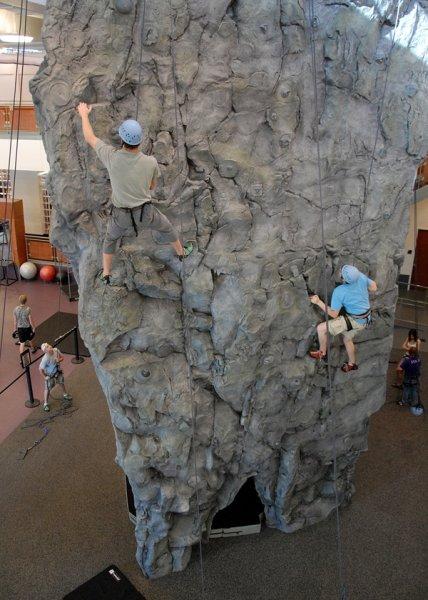 nicros-climbing-wall-sfa-4