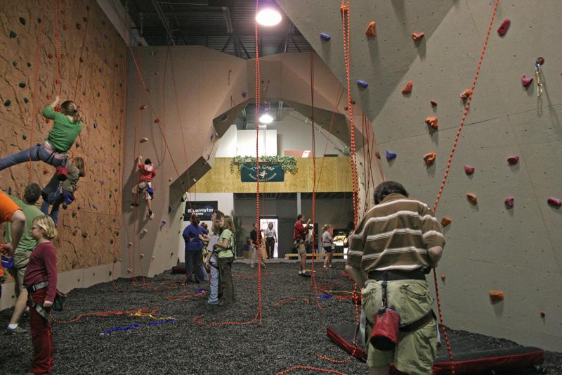 nicros-climbing-wall-the-crag-1