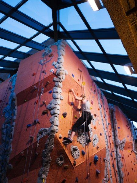 nicros-climbing-wall-u-of-mn-duluth-3-RDG