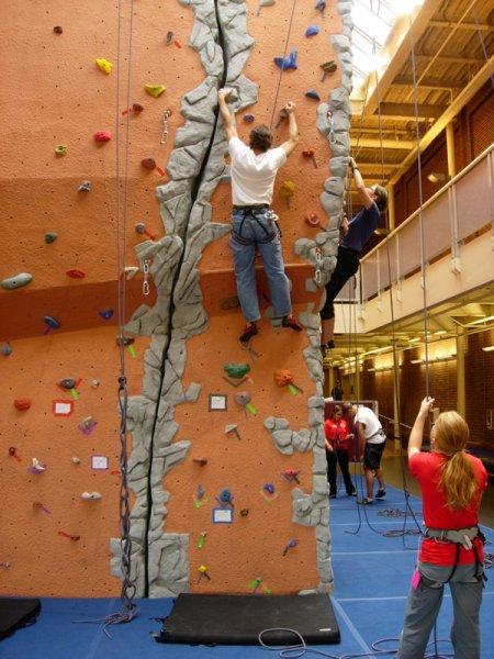 nicros-climbing-wall-u-of-mn-duluth-9