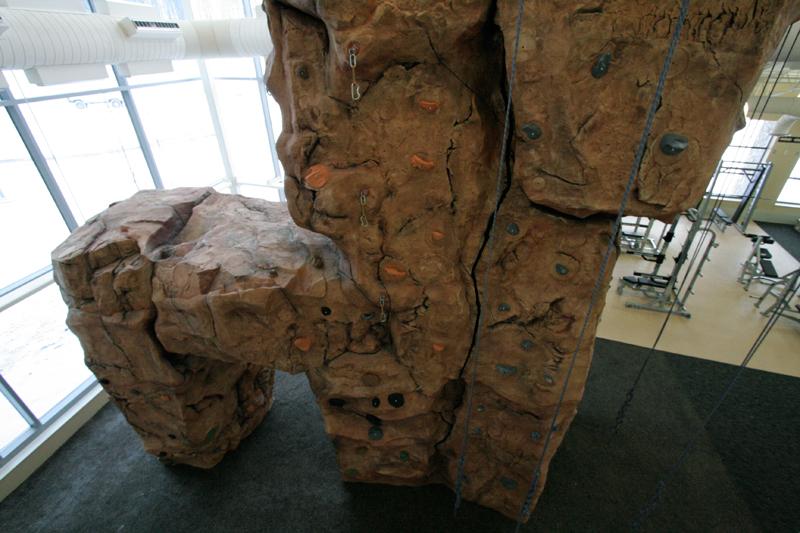 nicros-climbing-wall-u-pittsburgh-5