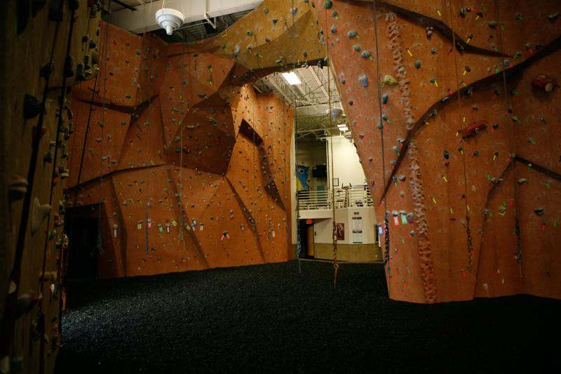 nicros-climbing-wall-ve-st-paul-2