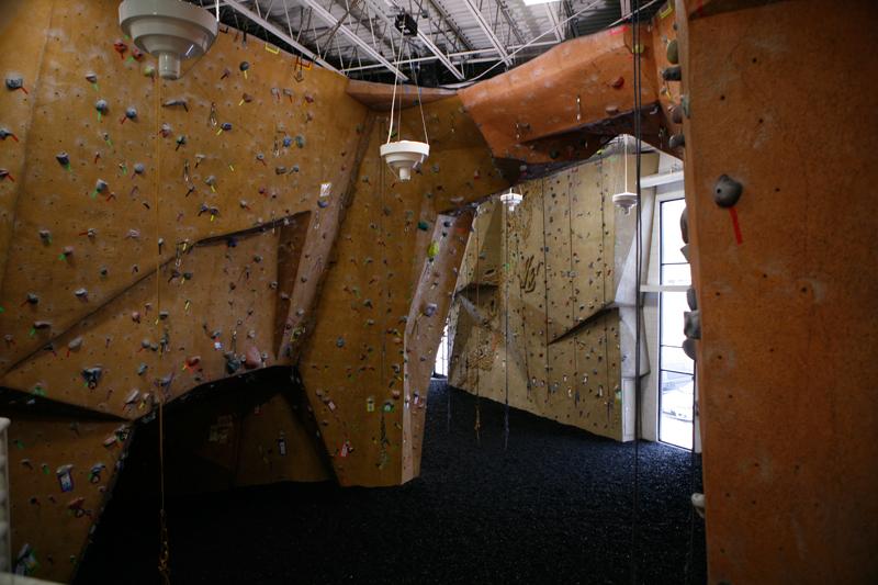 nicros-climbing-wall-ve-st-paul-3