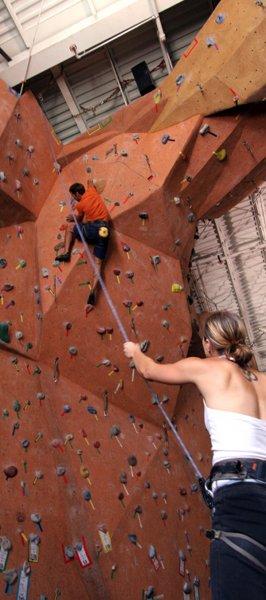 nicros-climbing-wall-ve-st-paul-4