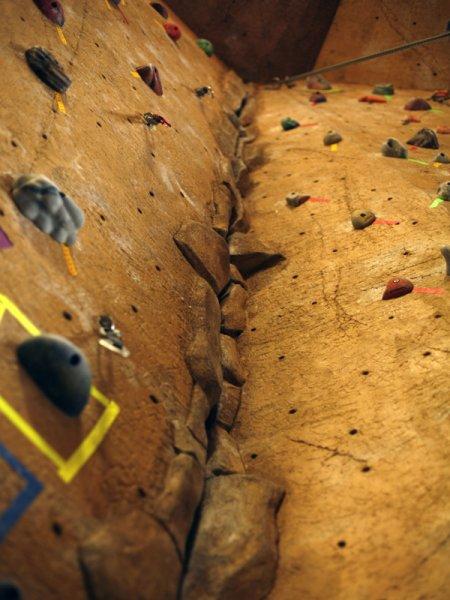 nicros-climbing-wall-ve-st-paul-5